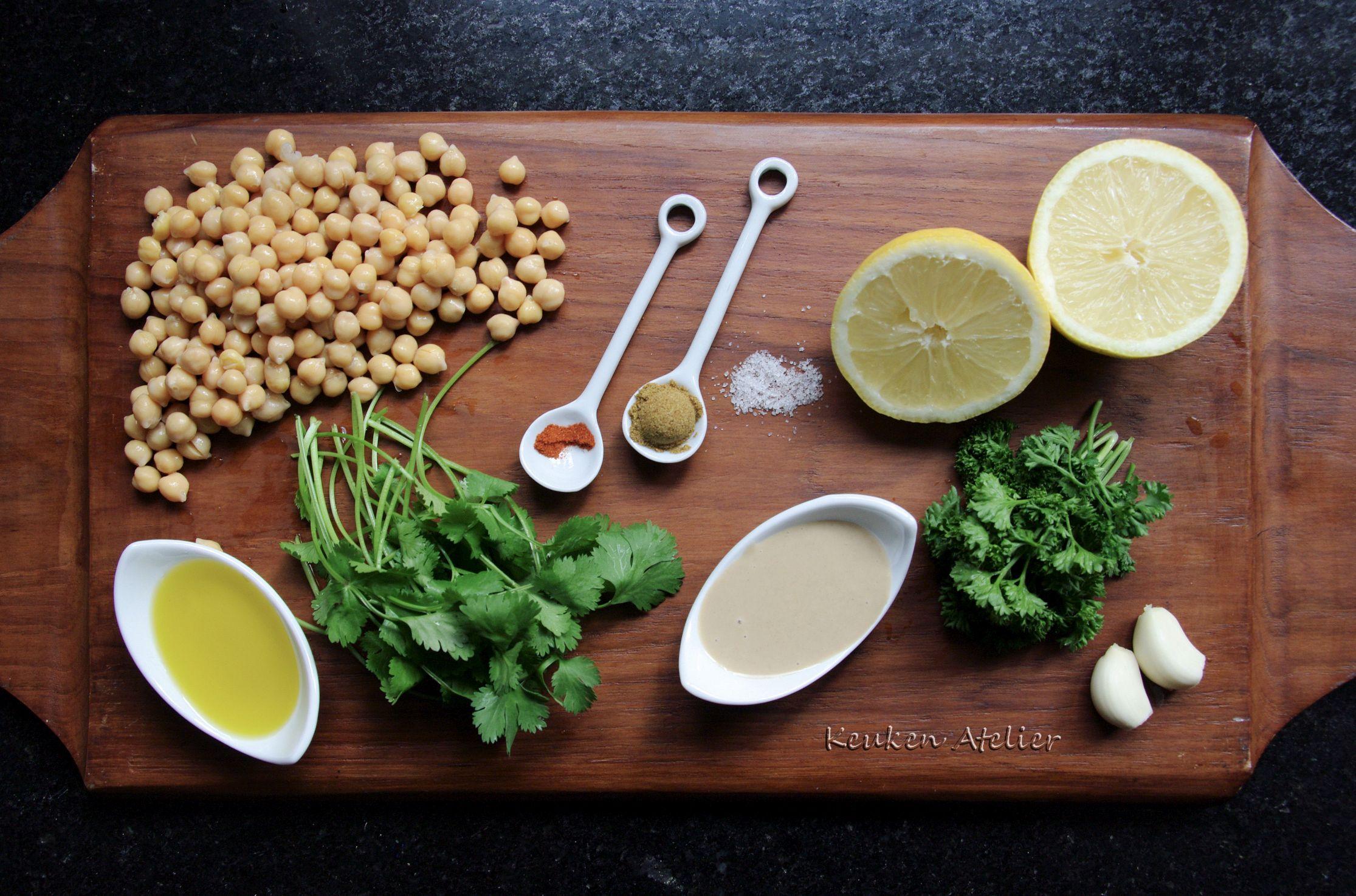 hummus met groene kruiden