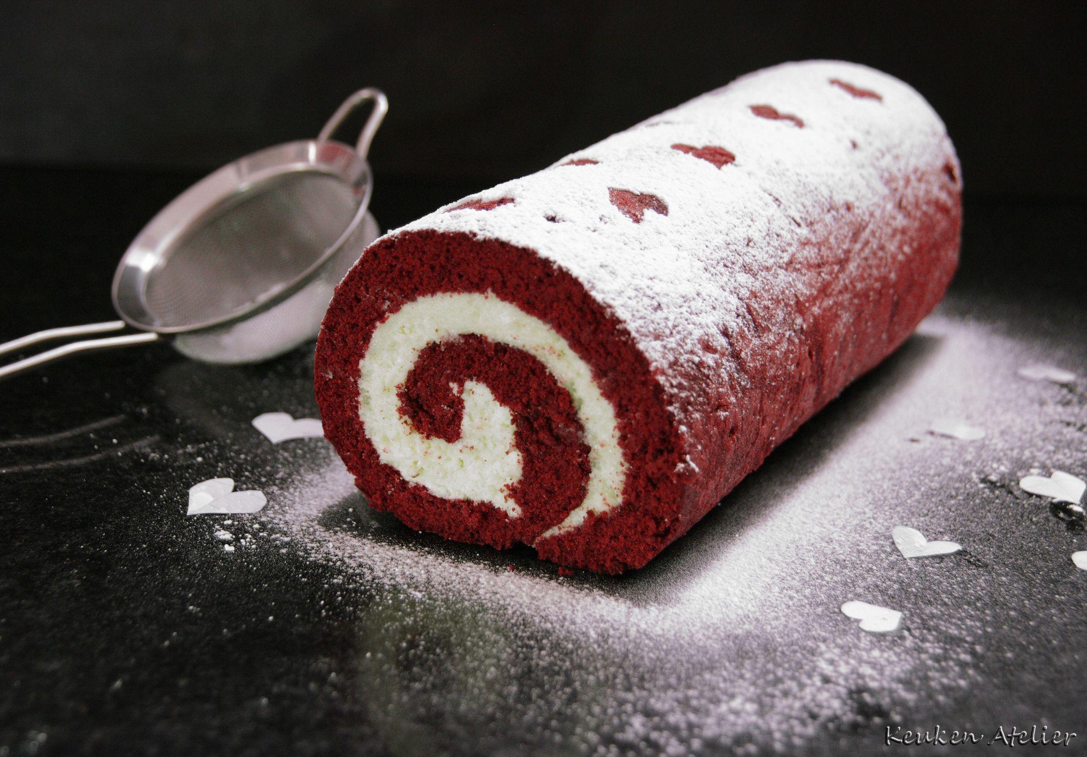red velvet cake rol 1