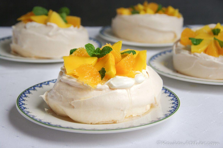 Mini pavlova's met mango en sinaasappel 3 | KeukenAtelier.com