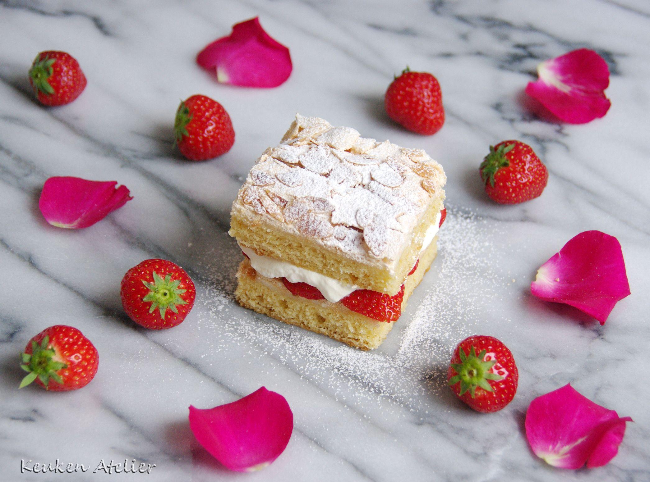 aardbeien rozen meringue cake 2