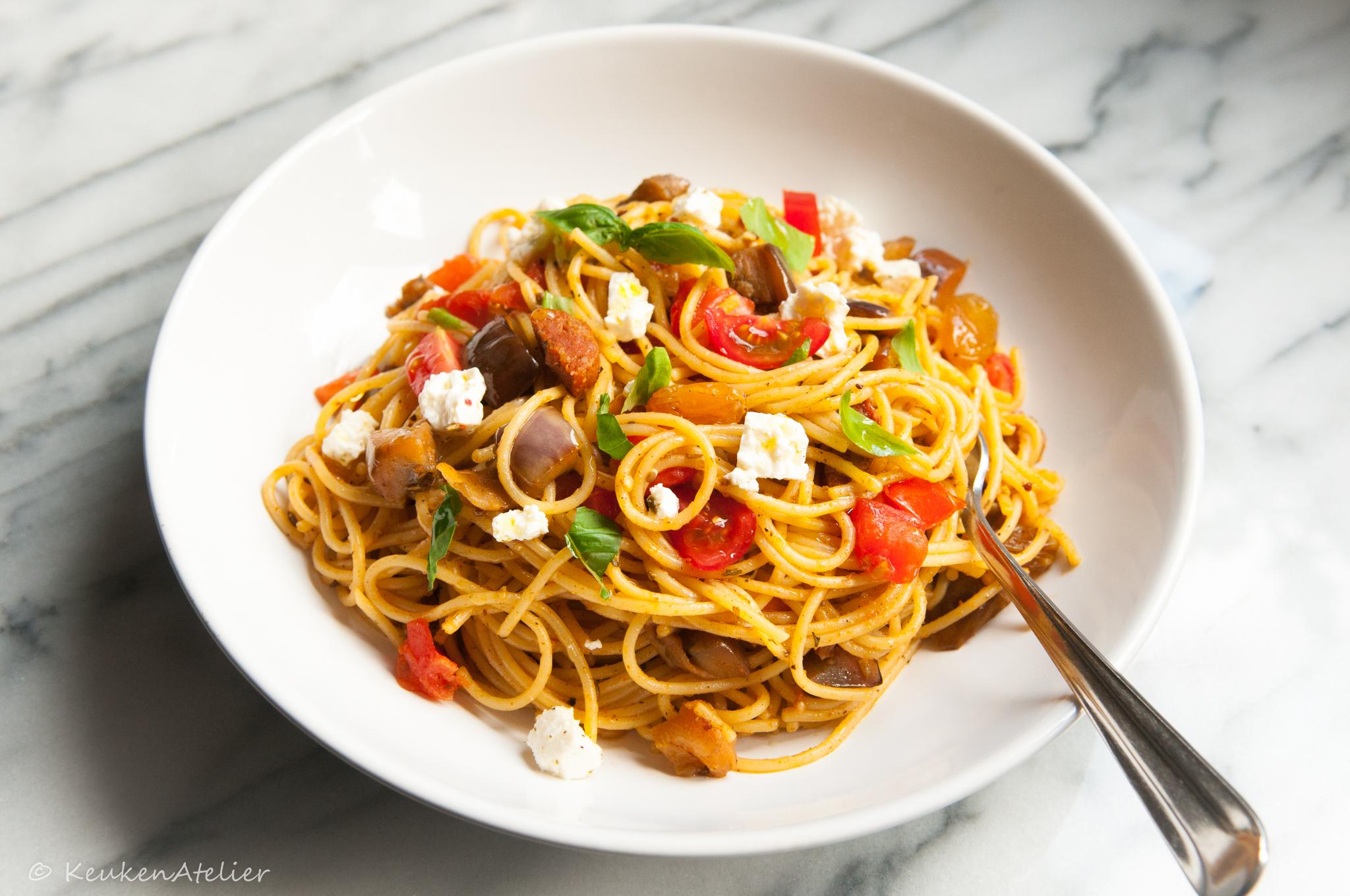 Siciliaanse pasta met aubergine