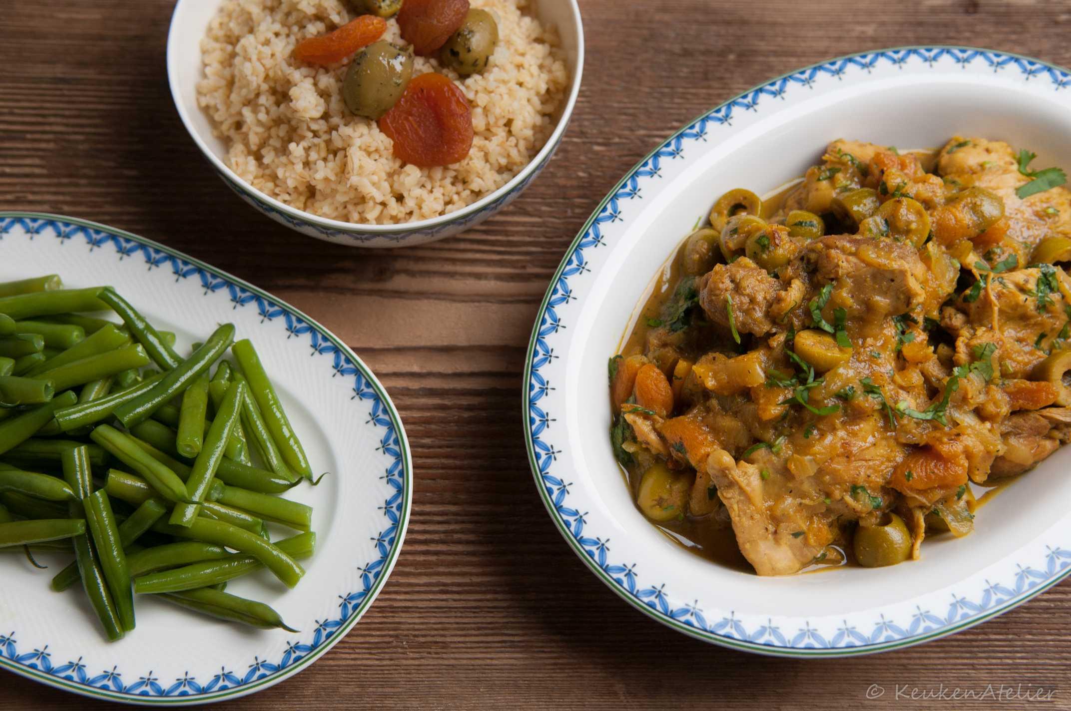 Marokkaanse kip met abrikozen en olijven | KeukenAtelier