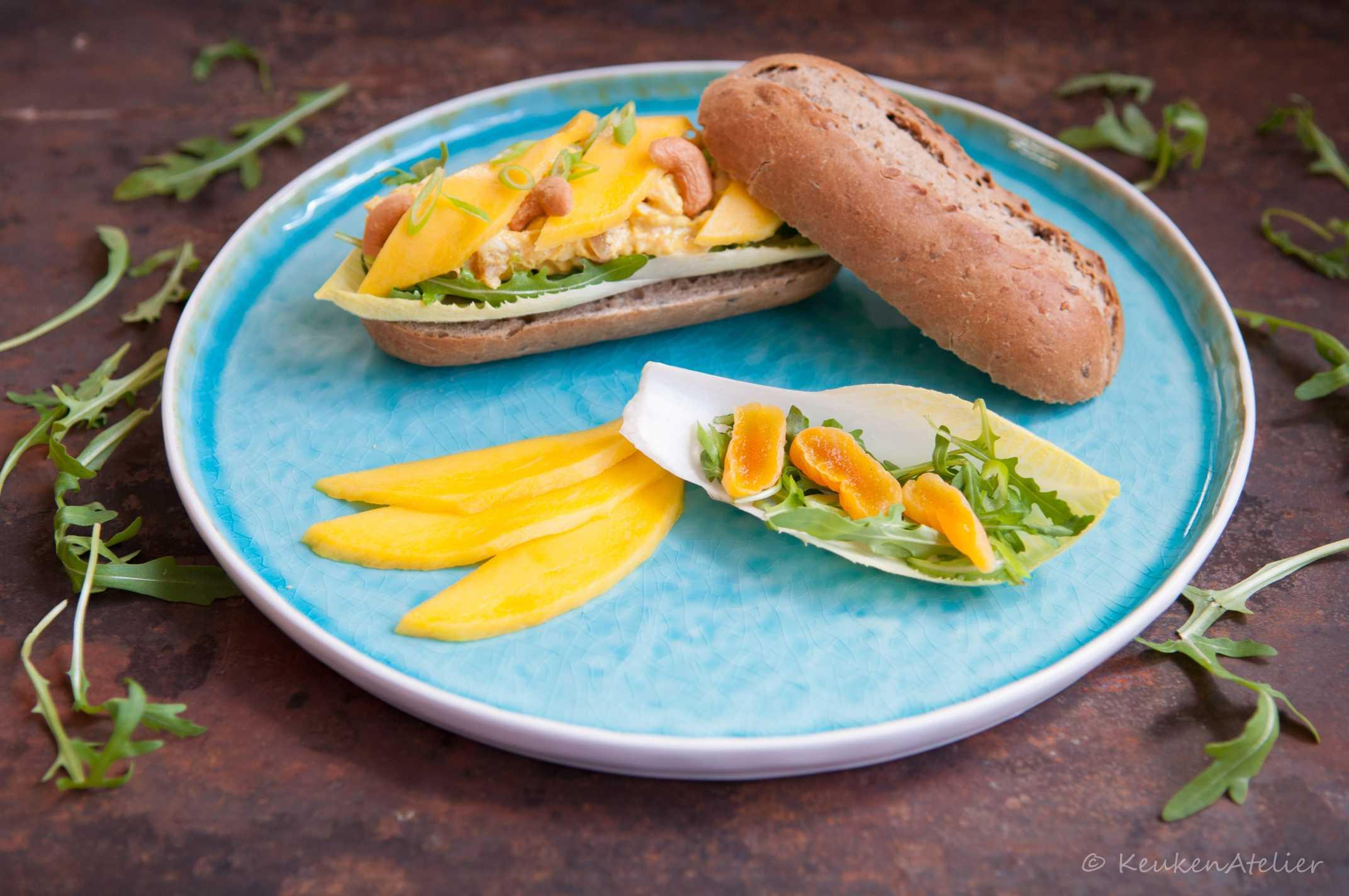 kipkerrie salade met abrikozen en mango   KeukenAtelier