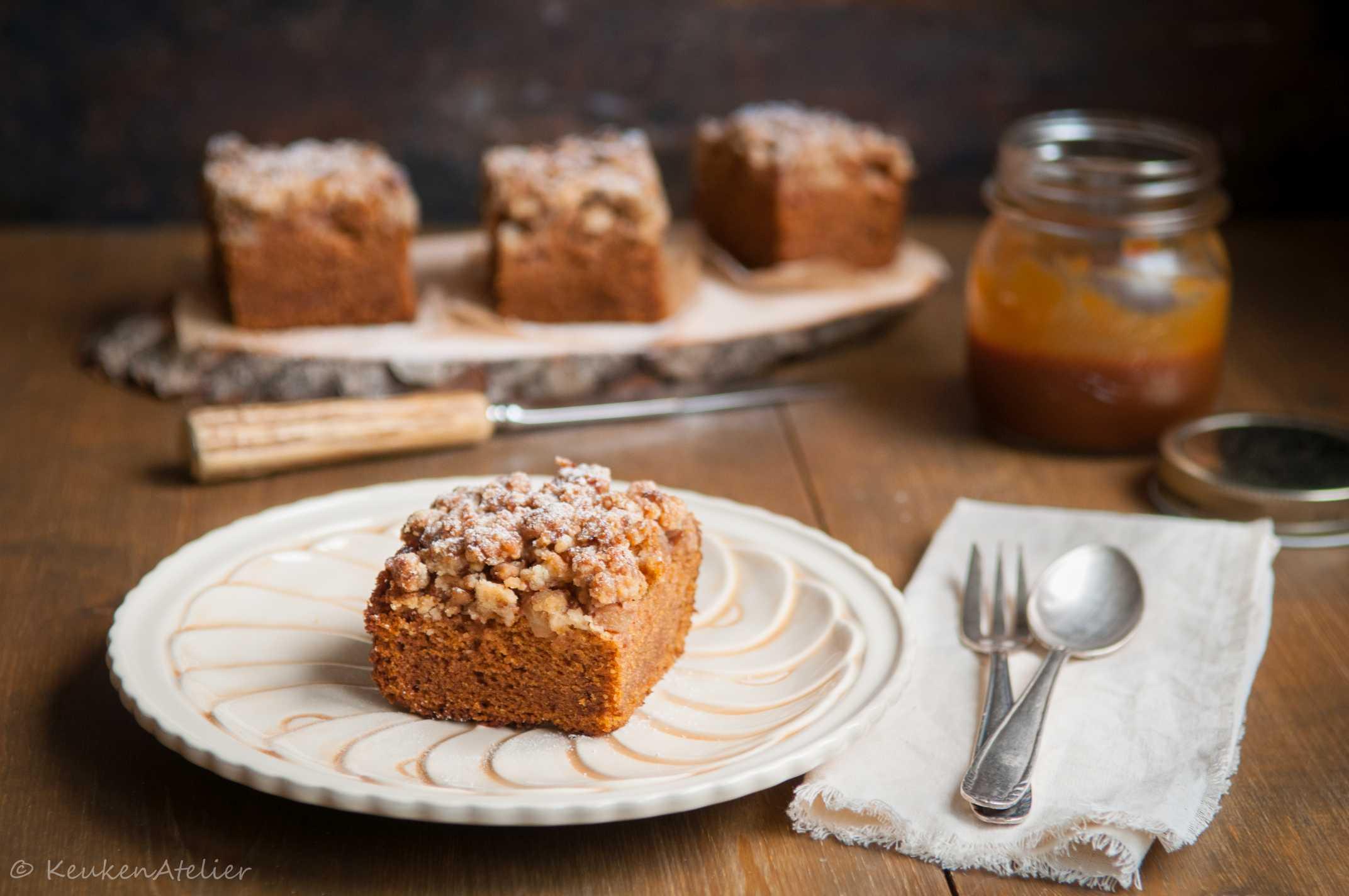 pompoencake met appel en pecankruimel 1e | KeukenAtelier