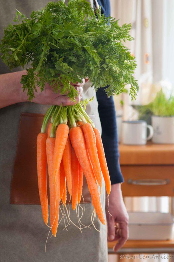 Geroosterde wortelen met wortelloofpesto 4 | KeukenAtelier.com