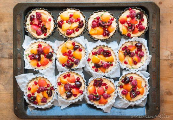 Amandelcake met zomerfruit 1 KeukenAtelier.com
