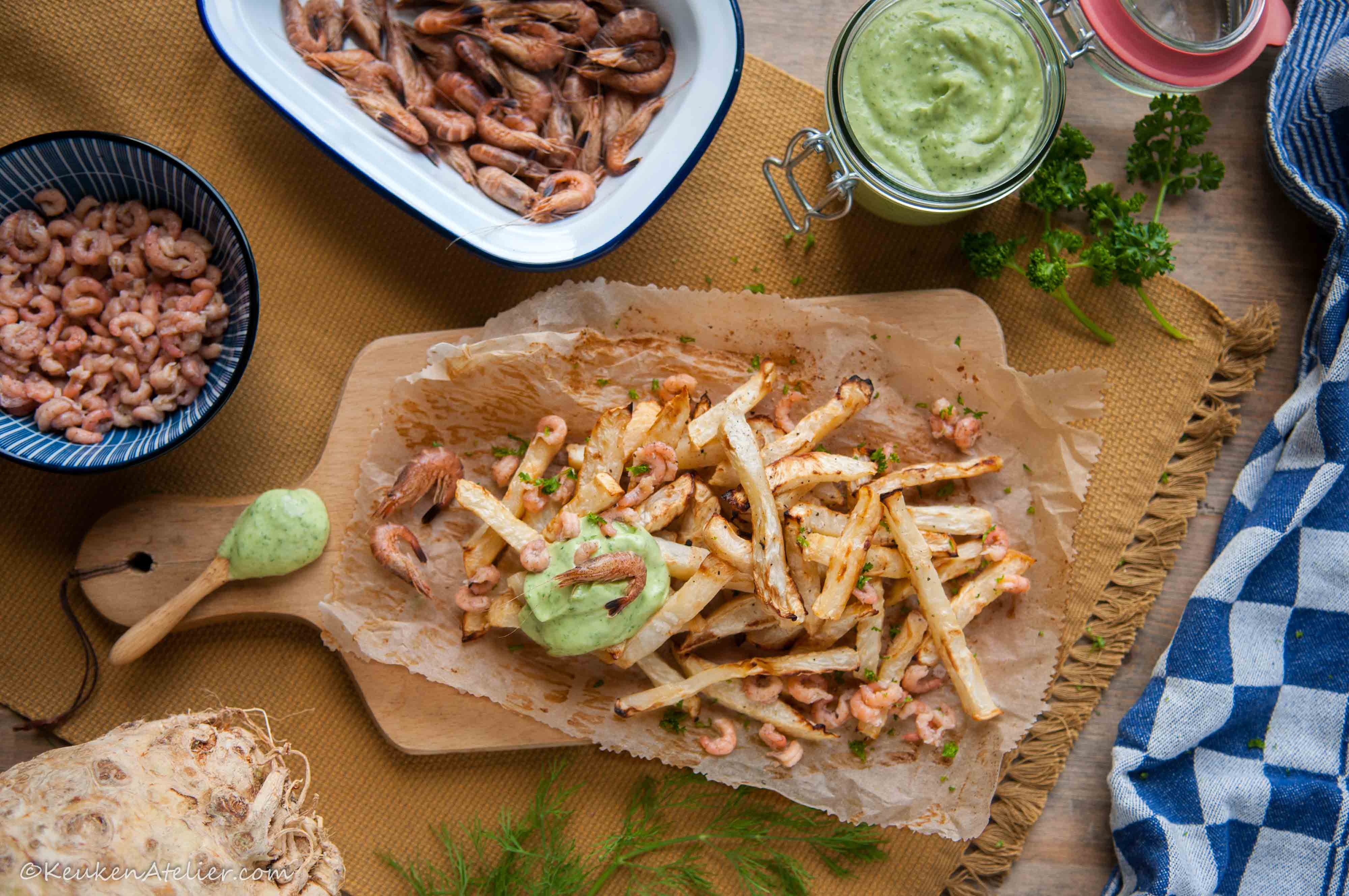 Knolselderij friet met Hollandse garnaal en kruidenmayonaise | KeukenAtelier.com