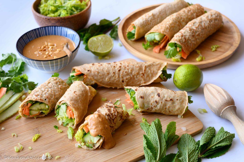 Aziatische pannenkoekjes met groentevulling en pindadip 1