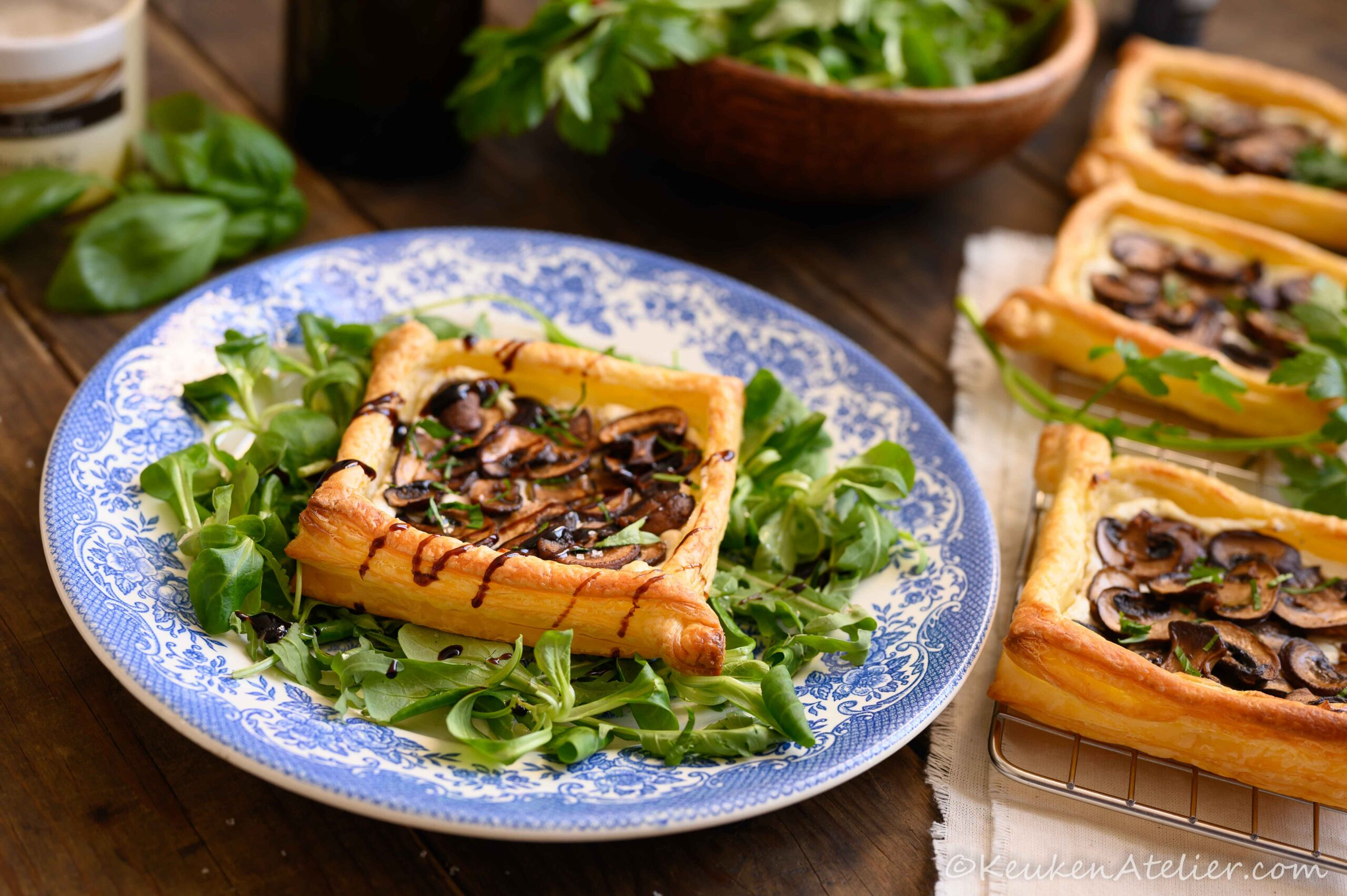 Plaattaartjes met champignons en kruidenkaas KeukenAtelier